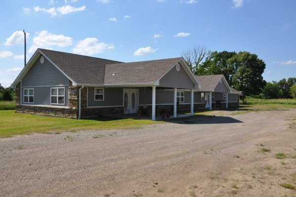 COUNTRY HOME – TWO LIVING UNITS – LAND NEAR FT. SMITH, AR