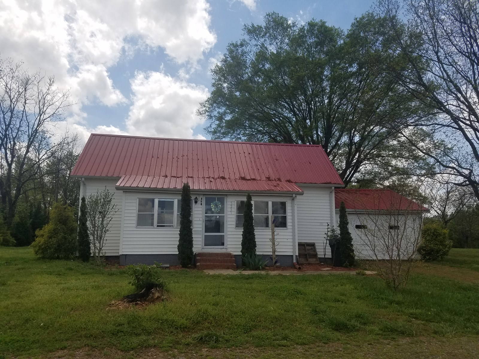 Stony Point, NC    - Country Home -Zoned Business also