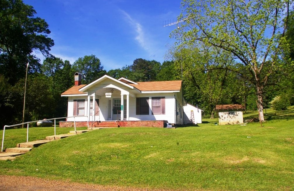 3 Bed/1 Bath Home, North Pike School District, Summit, MS