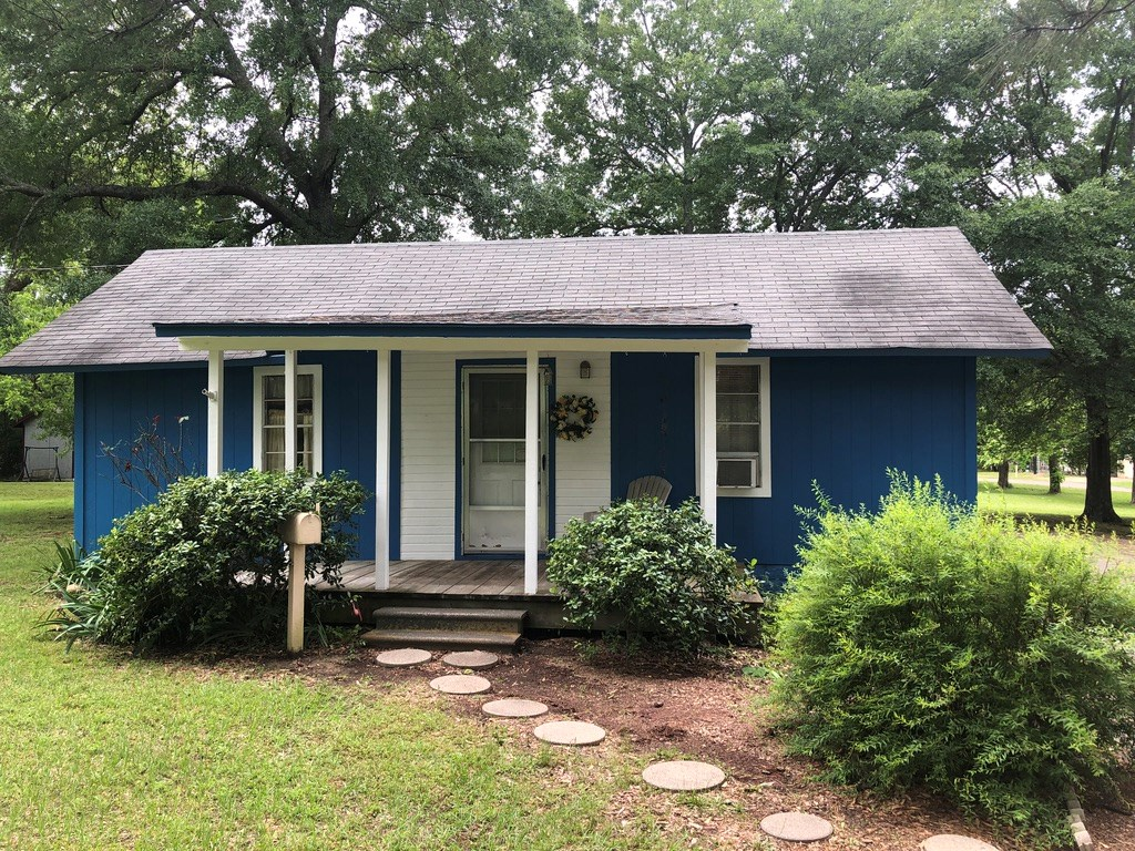 WALK TO LAKE FORK - WOOD COUNTY COTTAGE - QUITMAN, TEXAS