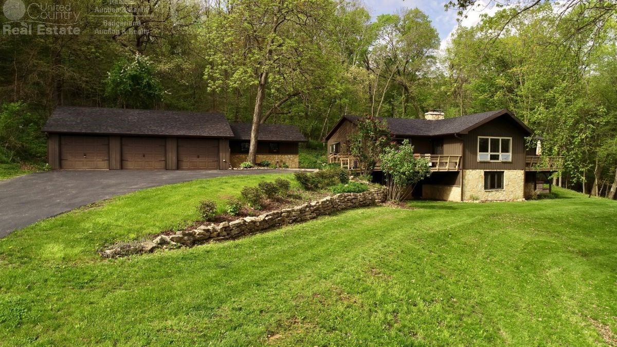 Private Country Retreat in Richland Center, WI