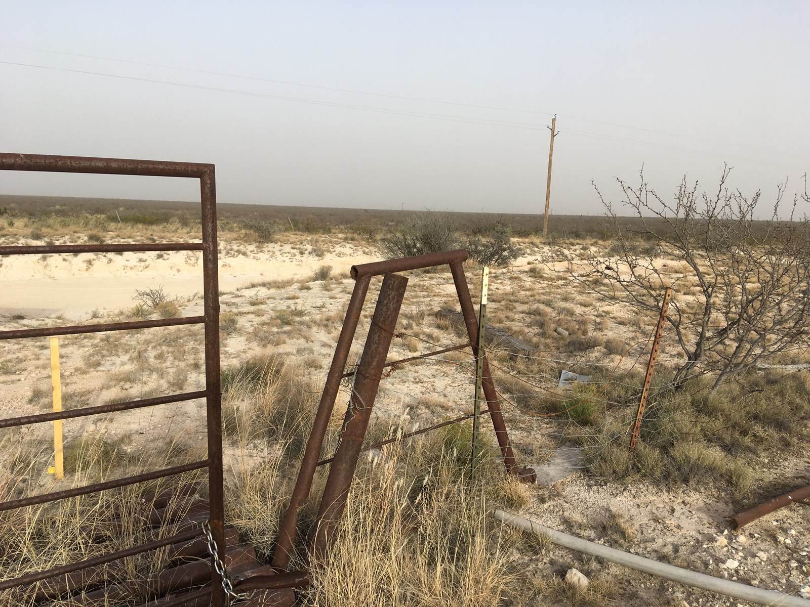 LAND BETWEEN IMPERIAL, TX AND GIRVIN, TX