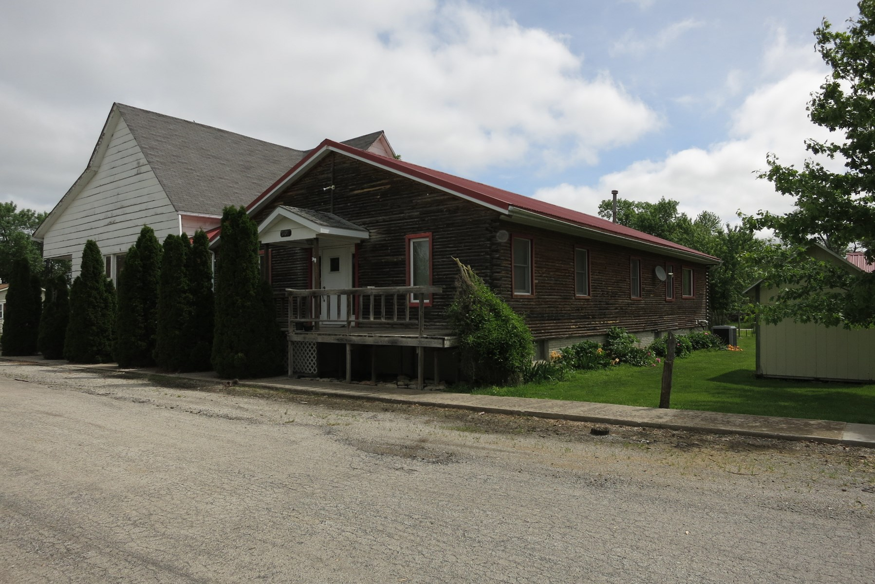 For Sale 4400 sq. ft. House in Small Town