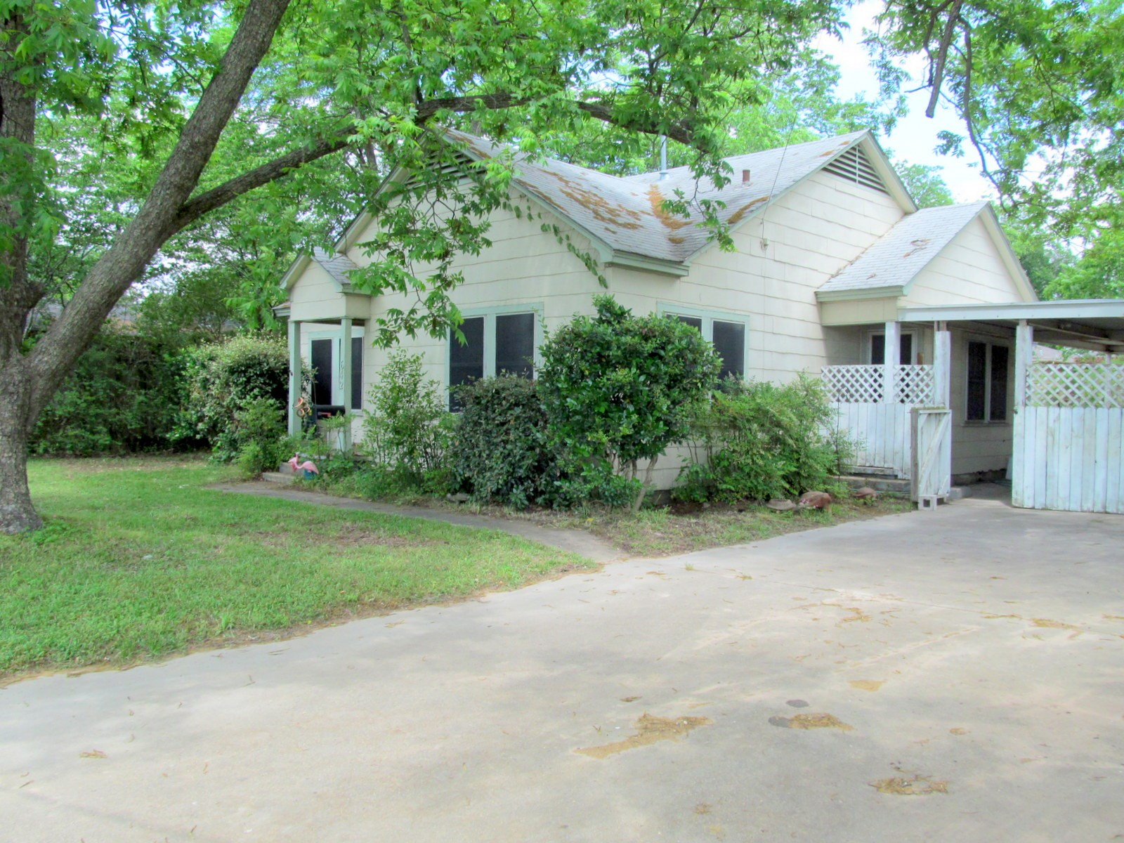 WINNSBORO TEXAS - FRANKLIN COUNTY - 2 BEDROOM COTTAGE STYLE