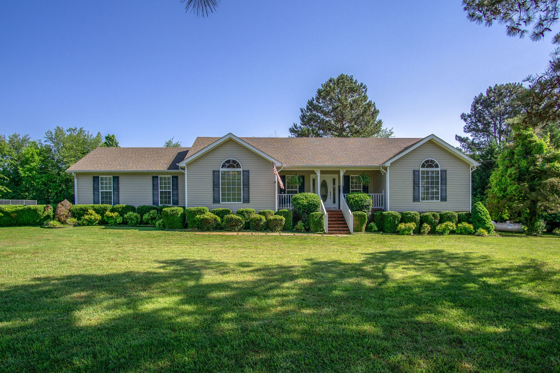 Beautiful Home with Acreage in Lawrence County Tennessee