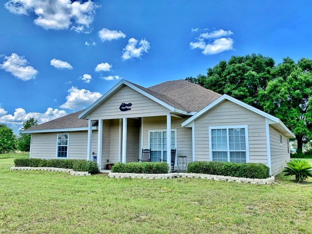 COUNTRY HOME IN SUBDIVISION - Trenton, Gilchrist Co, Florida