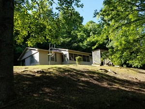 FOR SALE 2 TENNESSEE COUNTRY HOMES 22 ACRES CREEK TIMBER