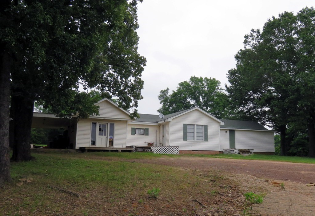 HOUSE FOR SALE IN FRANKSTON TEXAS