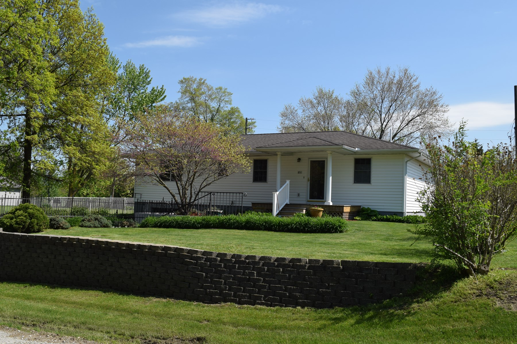 Move in ready ranch house in town for sale in Unionville, MO