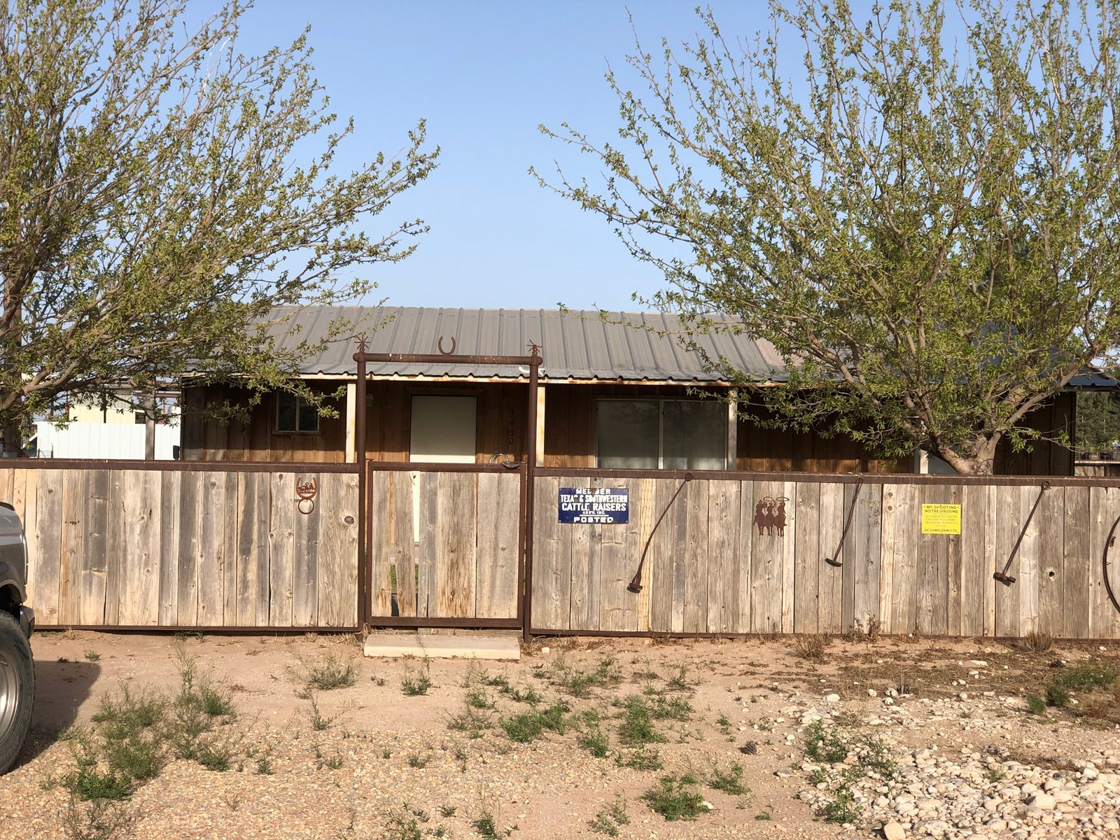 Horse Property For Sale in Carlsbad NM, Acreage, Arena, Barn