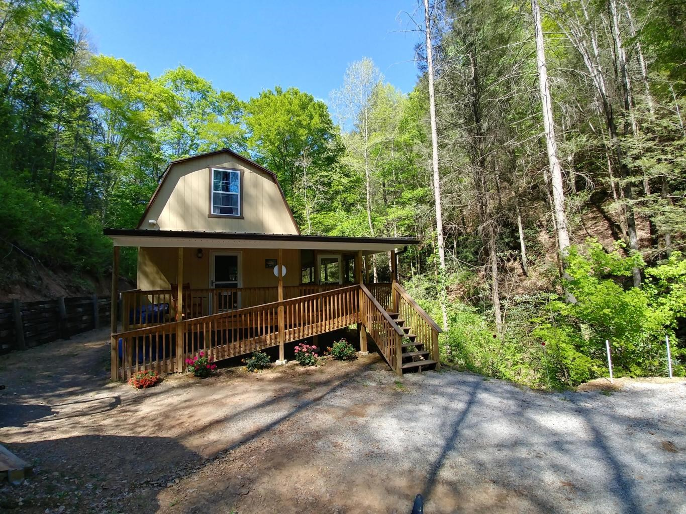 900 Sq. Ft. Tiny Home in Sneedville, TN