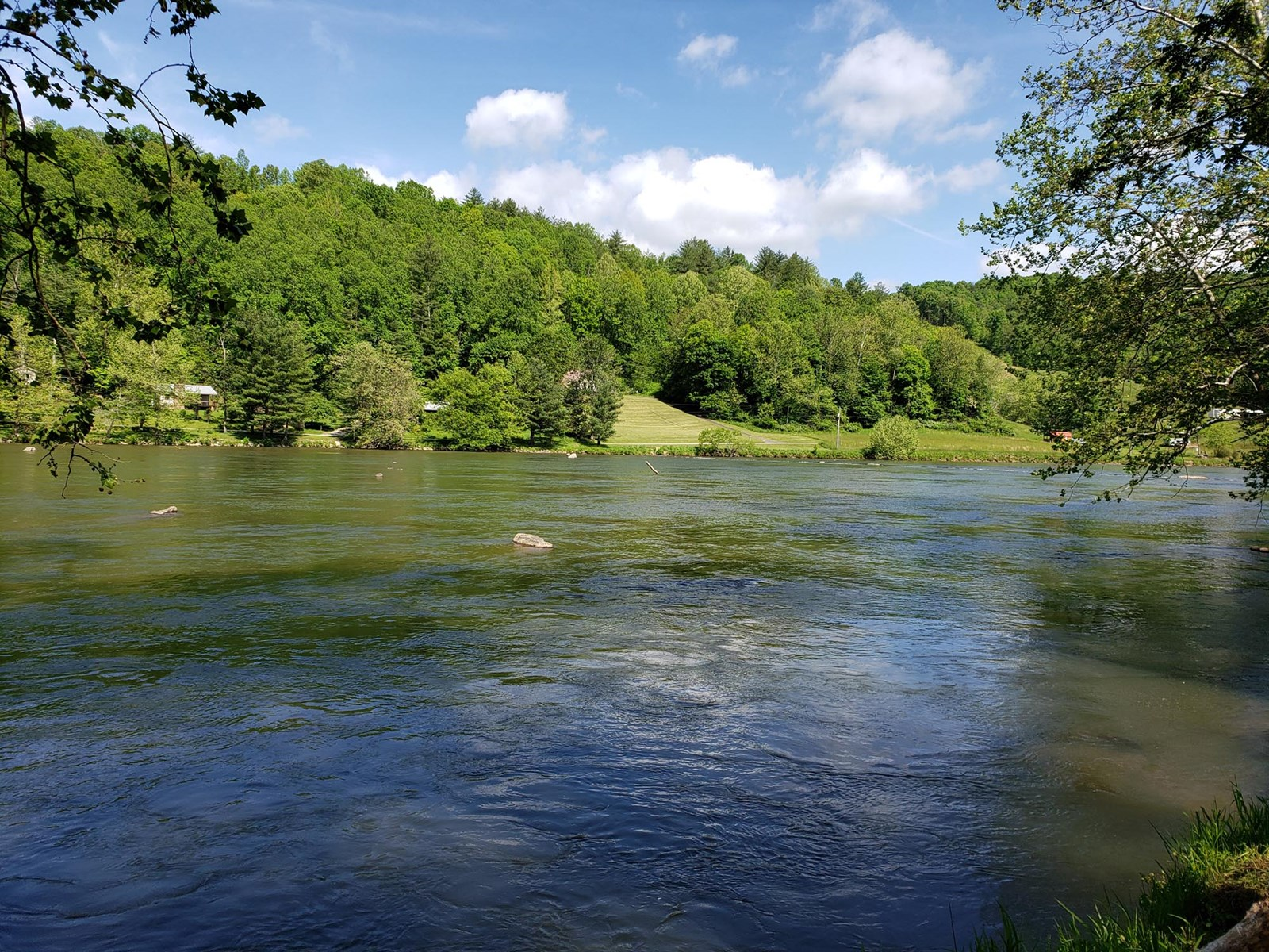 40 acres with .25 miles of Frontage on the New River.
