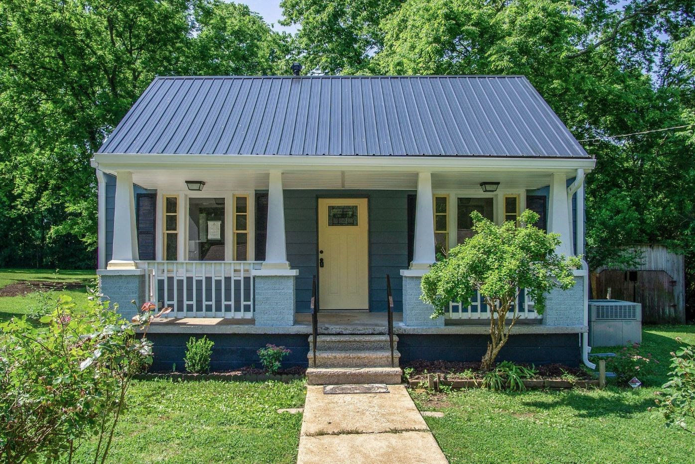 Adorable Completely Renovated Cottage in Maury County Tennes