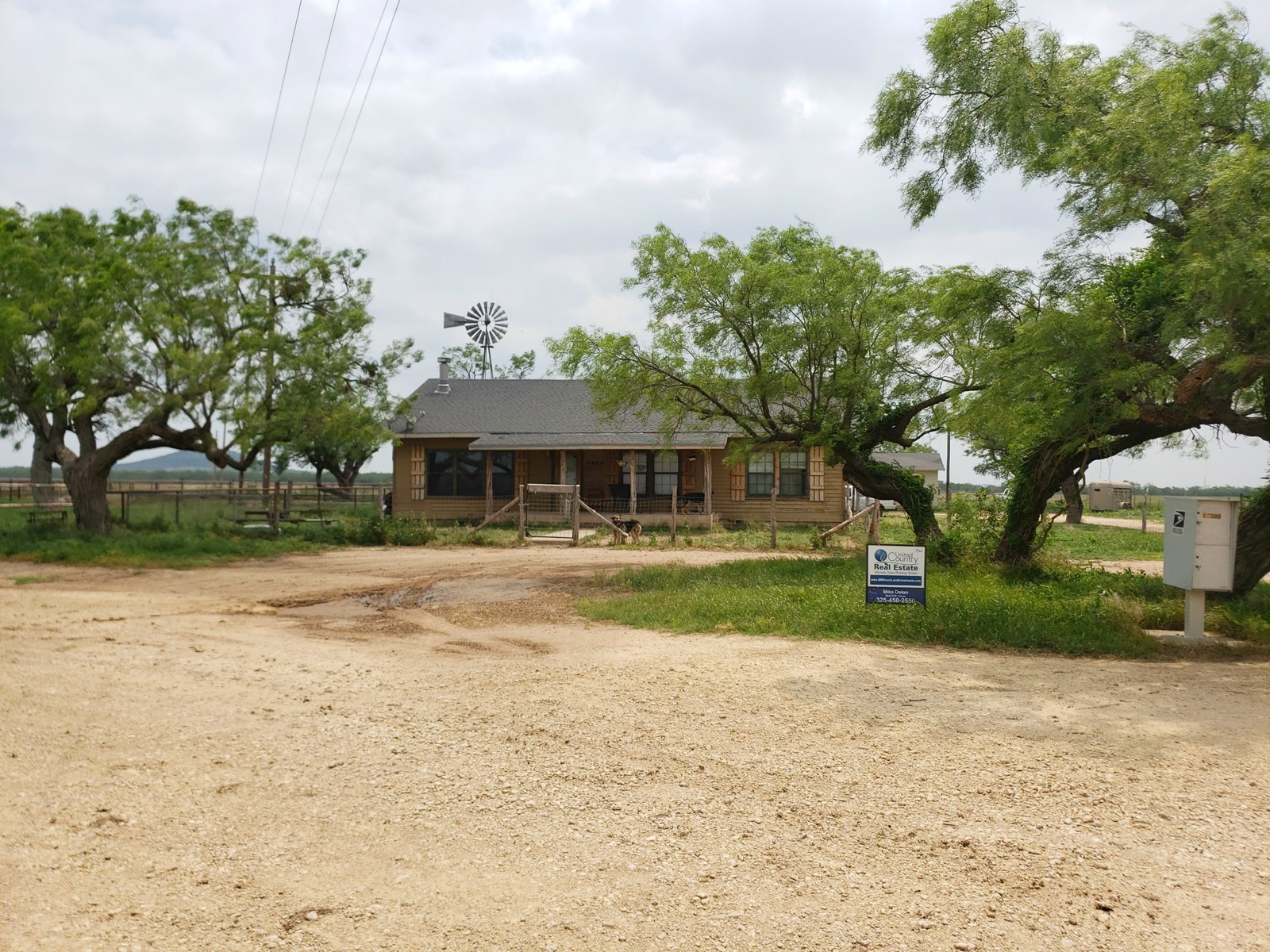 Home with Acreage in Grape Creek, Tx