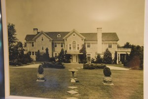 JACKSON TN HISTORIC HOME FOR SALE W/ ACREAGE, GUEST COTTAGE