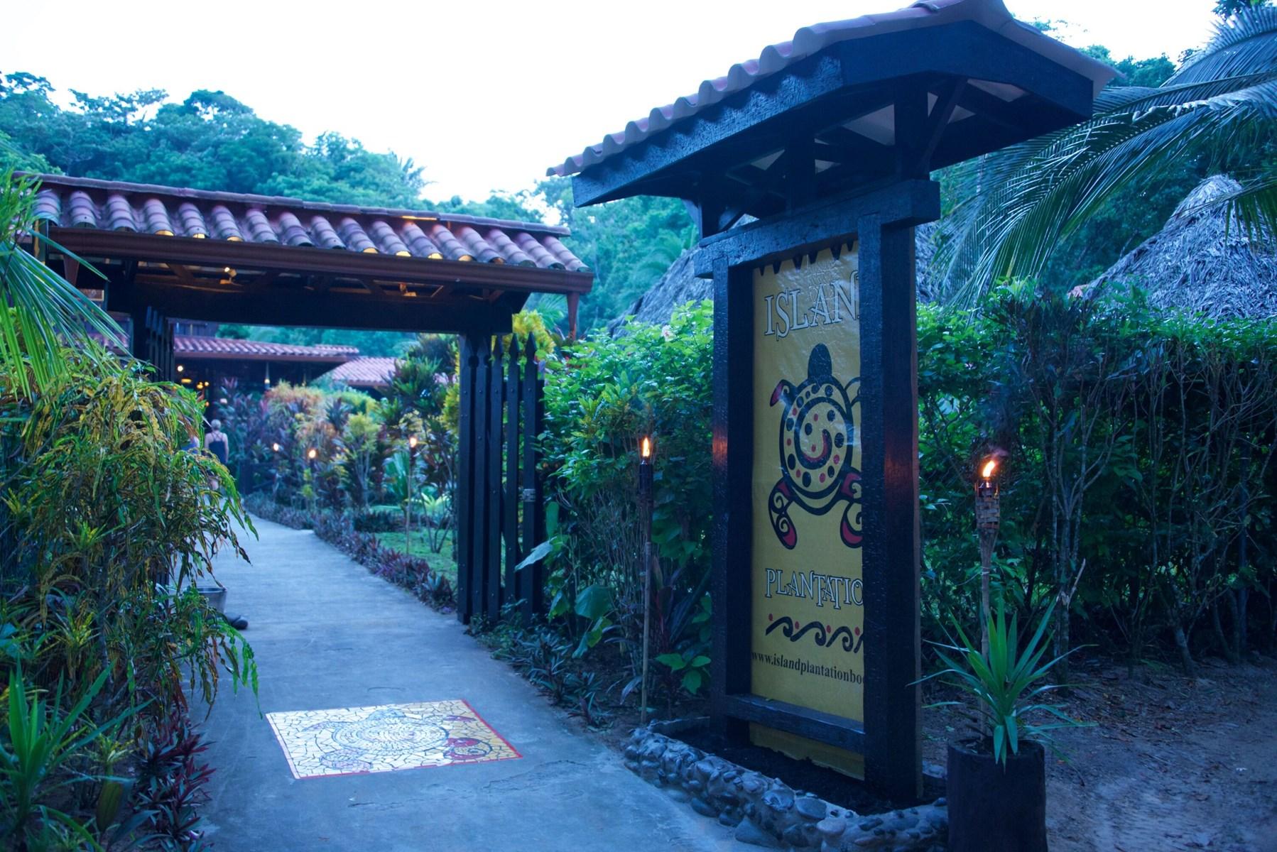 Balinese Style Oceanfront Eco Resort Bocas Del Toro, Panama