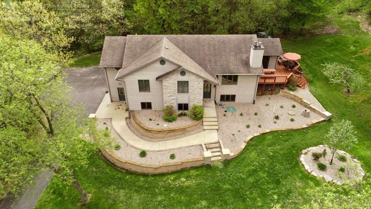 World Class Country Estate For Sale in Baraboo, WI