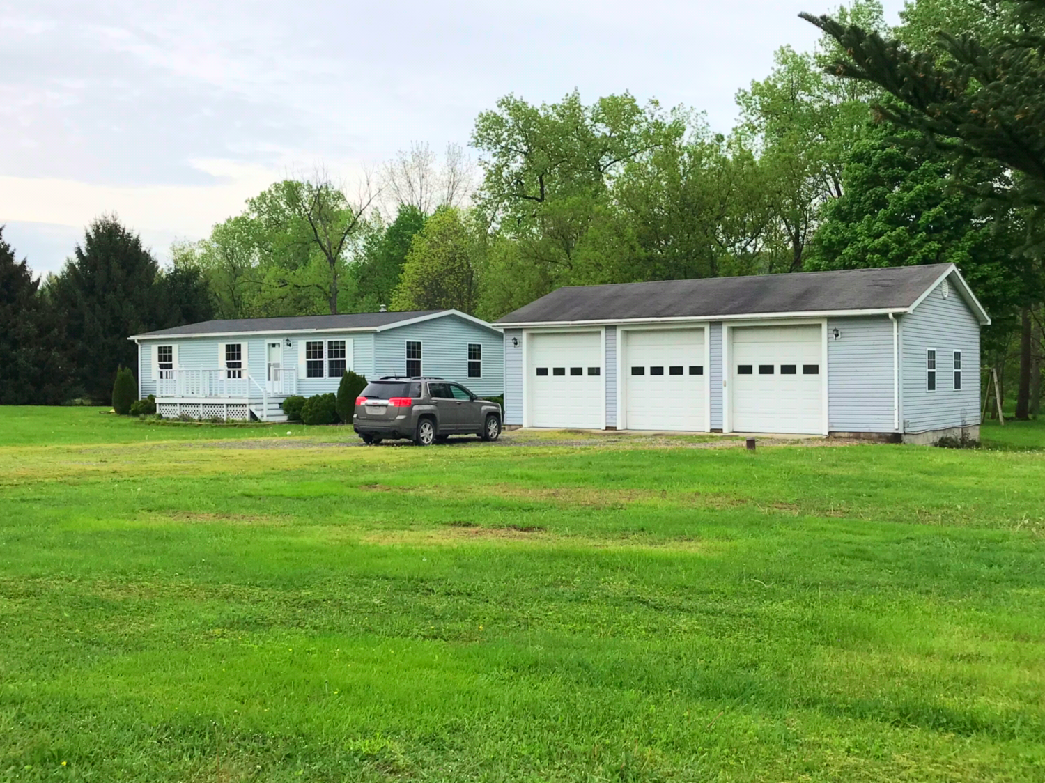 RANCH STYLE HOME W/ LARGE 3 BAY GARAGE FOR SALE OWEGO, NY