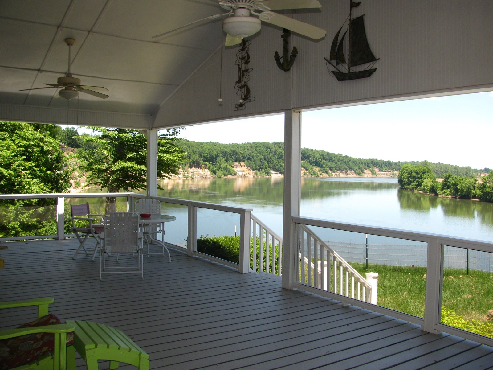 RIVER FRONT HOME IN TN, 3 BEDROOM 2 BATH, AWESOME VIEWS