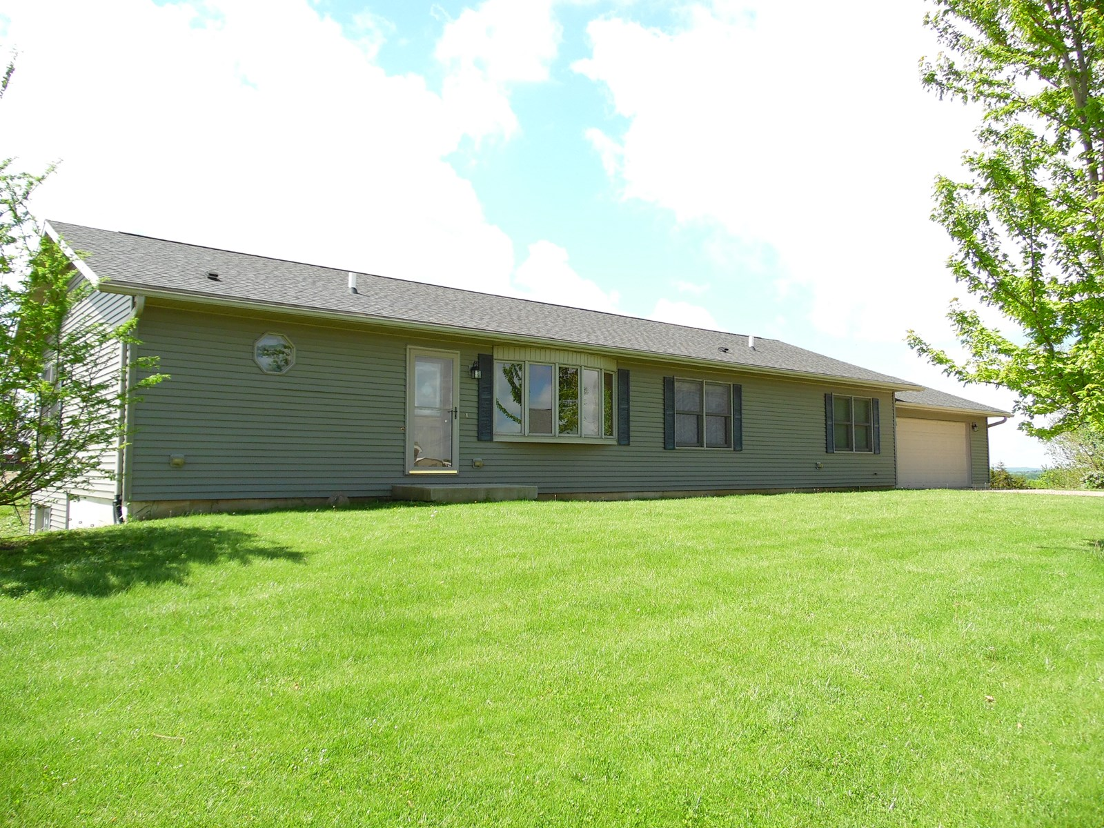 Ranch Style Home for Sale in East Dubuque, IL