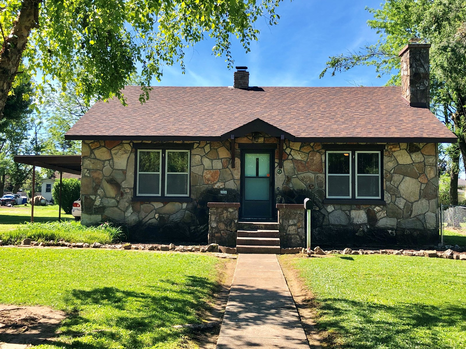 Home in Town for Sale in Southern Missouri