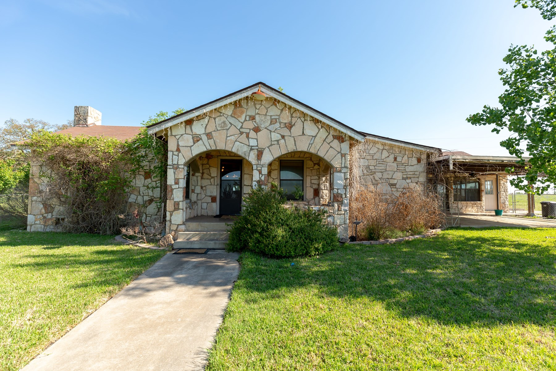 Hill Country Home For Sale - Ingram TX