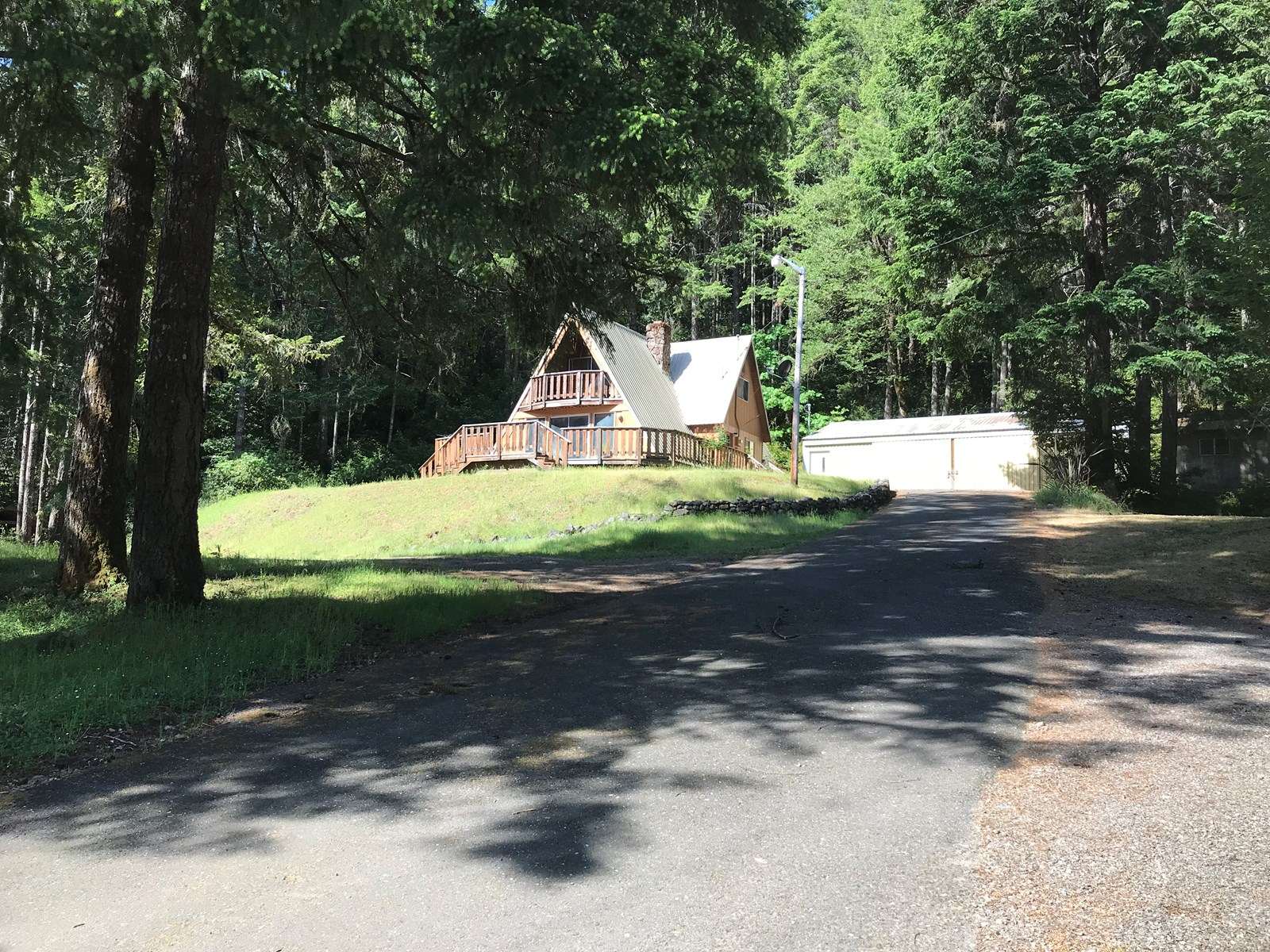 Cabin for Sale in Agness Oregon