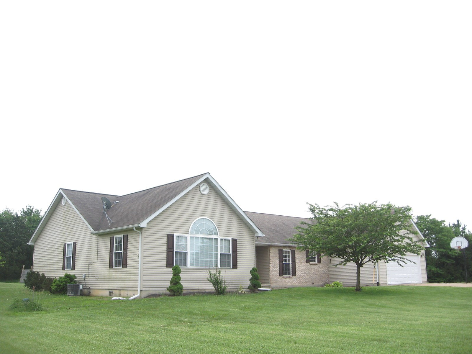 4-BR,2-BA COUNTRY HOME IN FARMINGTON SCHOOL DISTRICT
