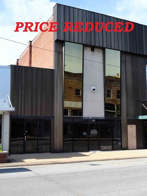 HISTORIC COMMERCIAL BUILDING FOR SALE IN DOWNTOWN SALEM, MO