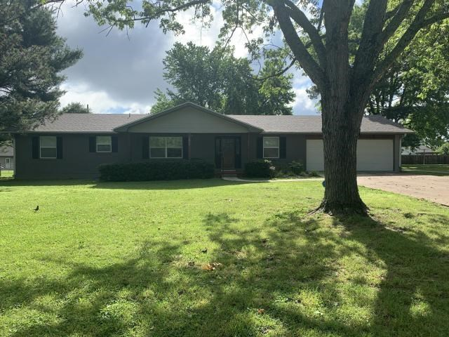 Lovely Home for sale in West Plains in Missouri Ozarks