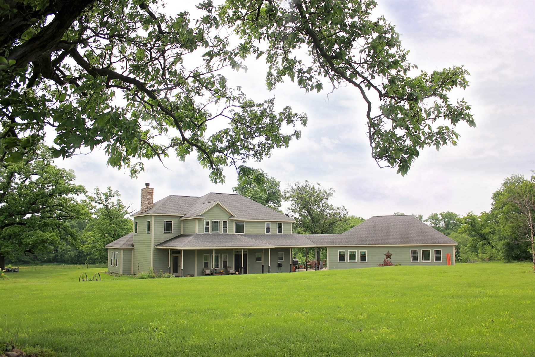 Beautiful Custom Home On Almost 6 Acres, Chillicothe, MO