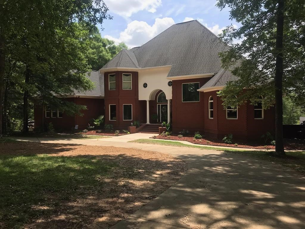 Executive Home with 10 acres for sale in Headland, Alabama