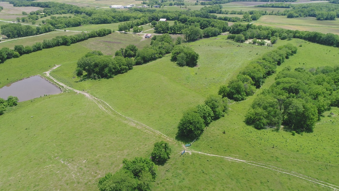 Cattle Farm Set-up 133+/- Acres w/ Water in Each pasture