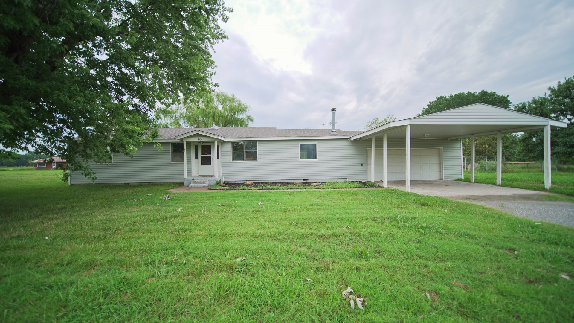 Country home and 5 acres in Pryor, OK