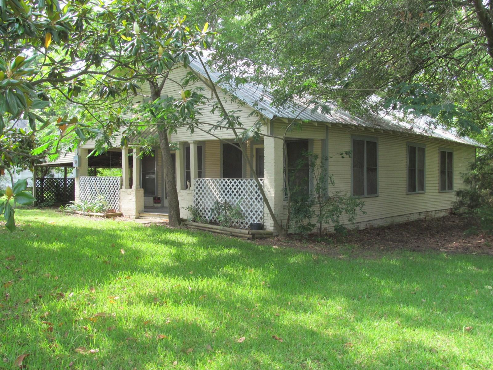 1930's  FARM HOUSE in EAST TEXAS - HOPKINS COUNTY + 2 ACRES