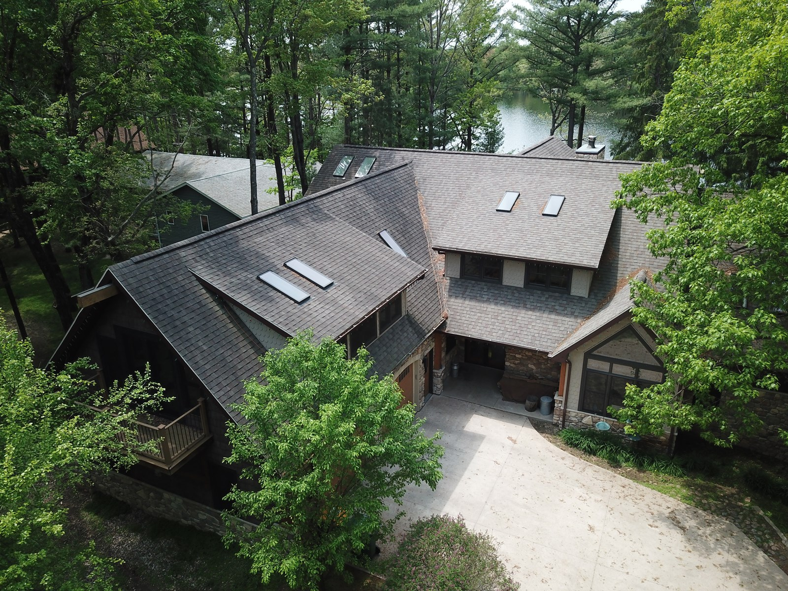 Luxury Lakefront Living on the Waupaca Chain O' Lakes