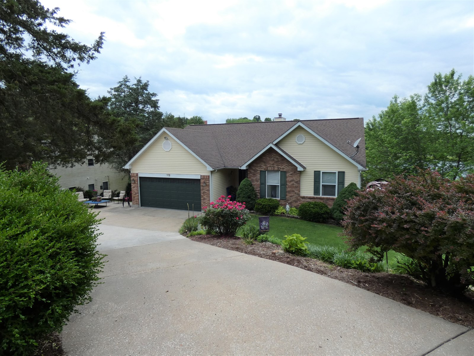 Updated Lakefront Home For Sale in Hermann, MO See Tal Lake