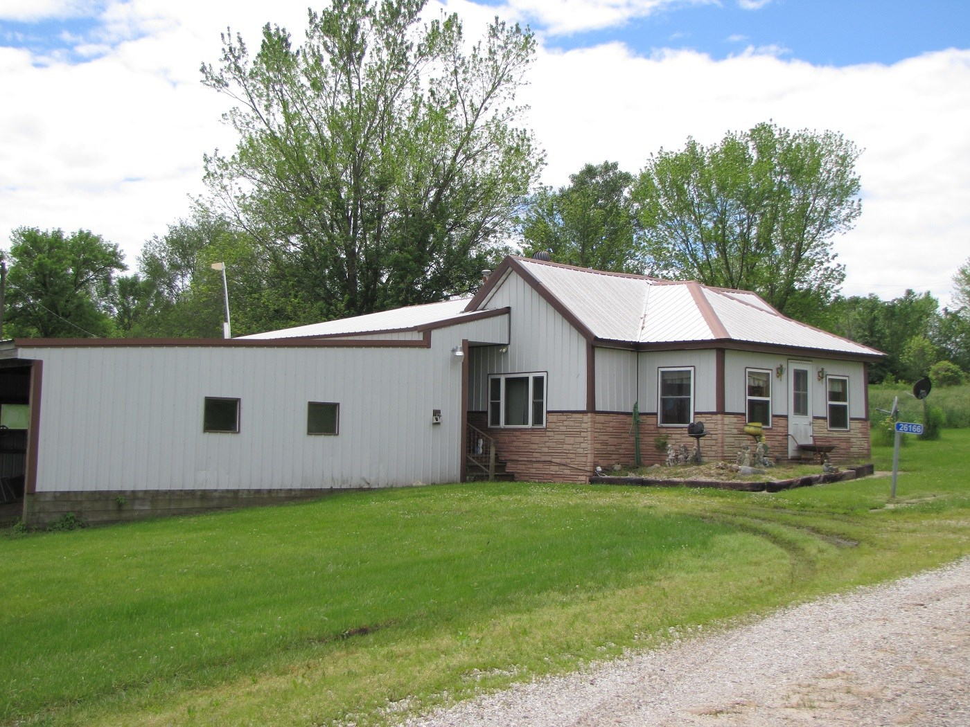 MO SMALL ACREAGE AND HOME FOR SALE, LARGE LOT & HOME MO