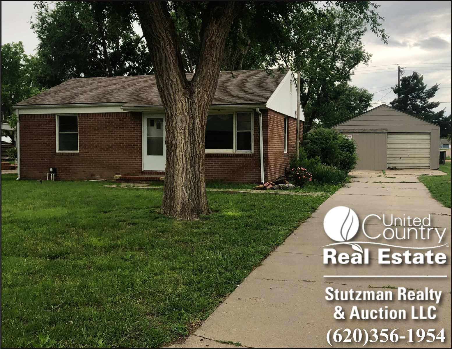 2 BEDROOM BRICK HOME FOR SALE IN ULYSSES, KS