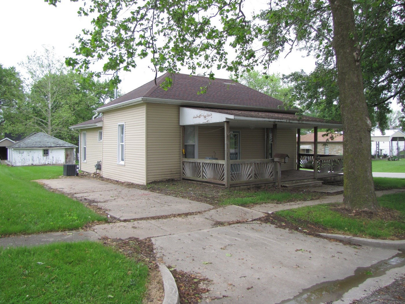 NORTHERN MO HOUSE OR INVESTMENT PROPERTY FOR SALE MEMPHIS