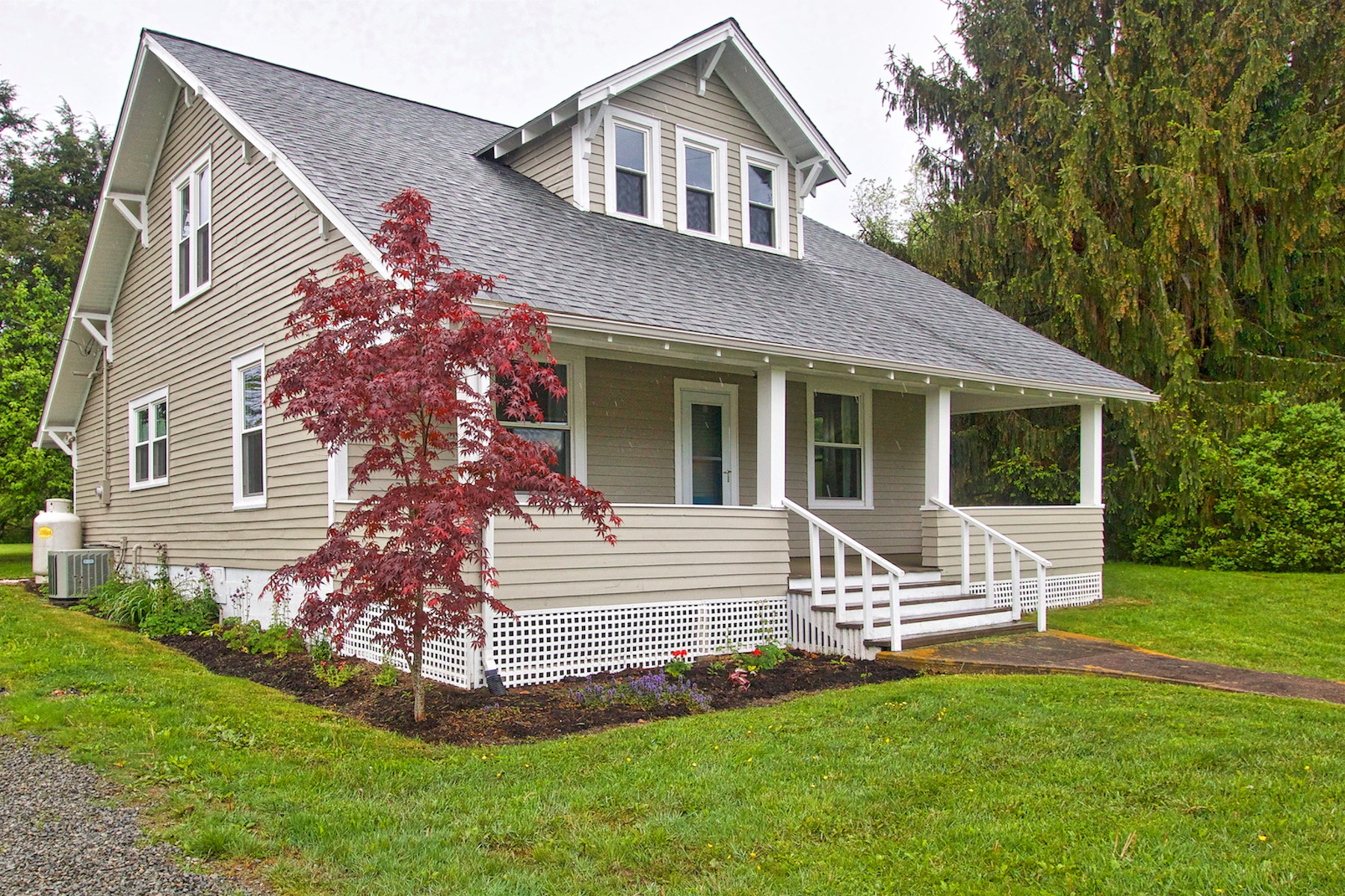 Gorgeous Remodeled Home for Sale in Willis VA!