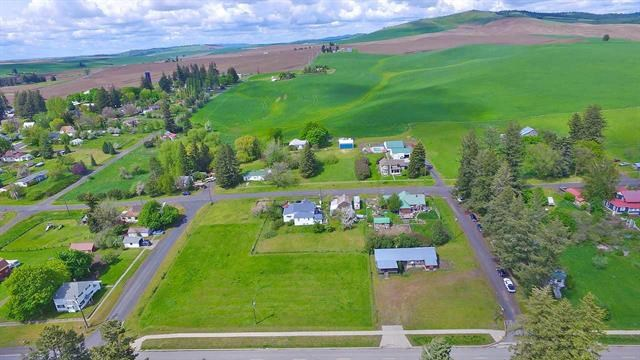 Quiet Lot in Latah Washington