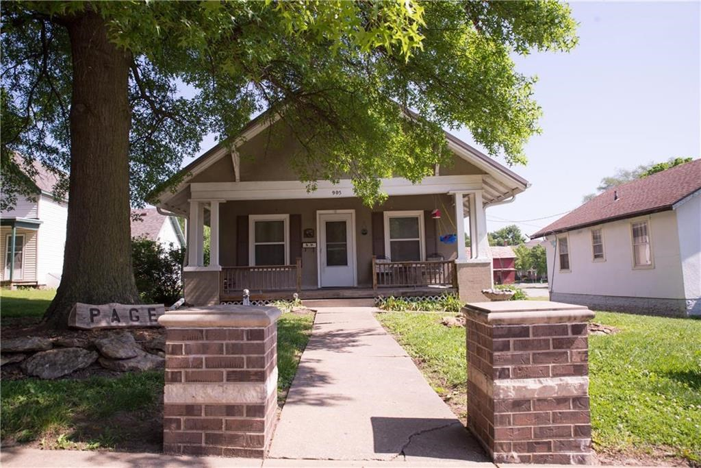 Charming 3 Bedroom Bungalow For Sale Atchison KS