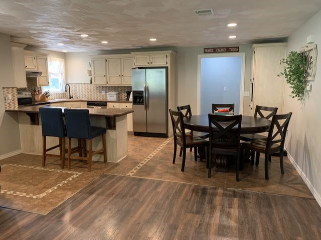 Beautiful Like-New Home in El Dorado Springs, Missouri