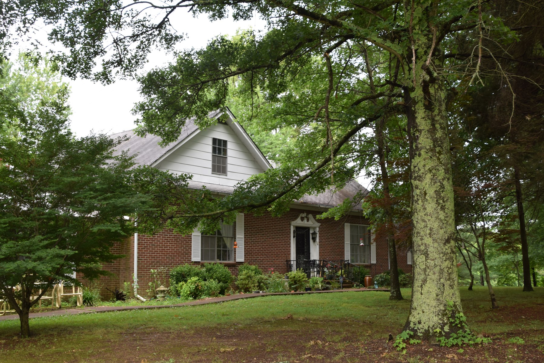 Alamo Crockett County, TN Historic Remodeled Home W/ Acreage