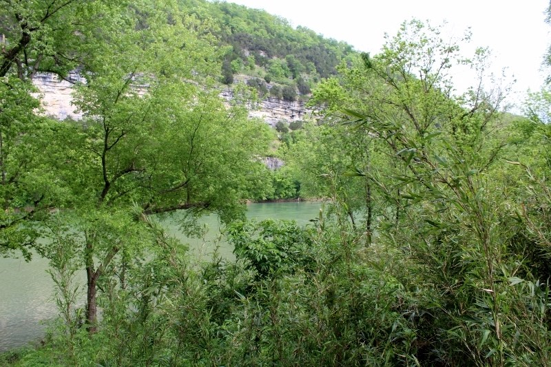 WHITE RIVER LOT FOR SALE NEAR MOUNTAIN VIEW, ARKANSAS.