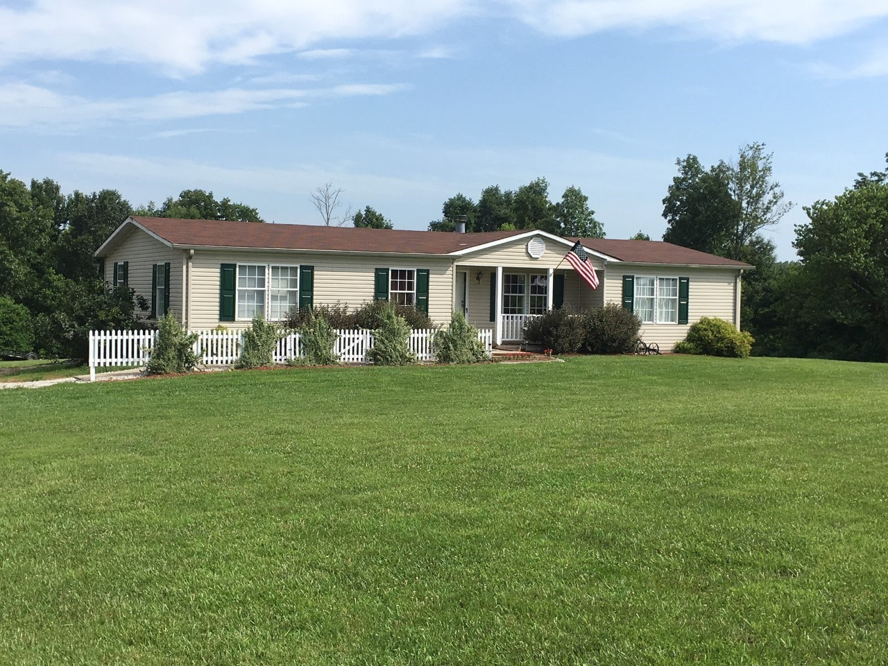 COUNTRY HOME WITH ACREAGE - CASEY COUNTY KENTUCKY