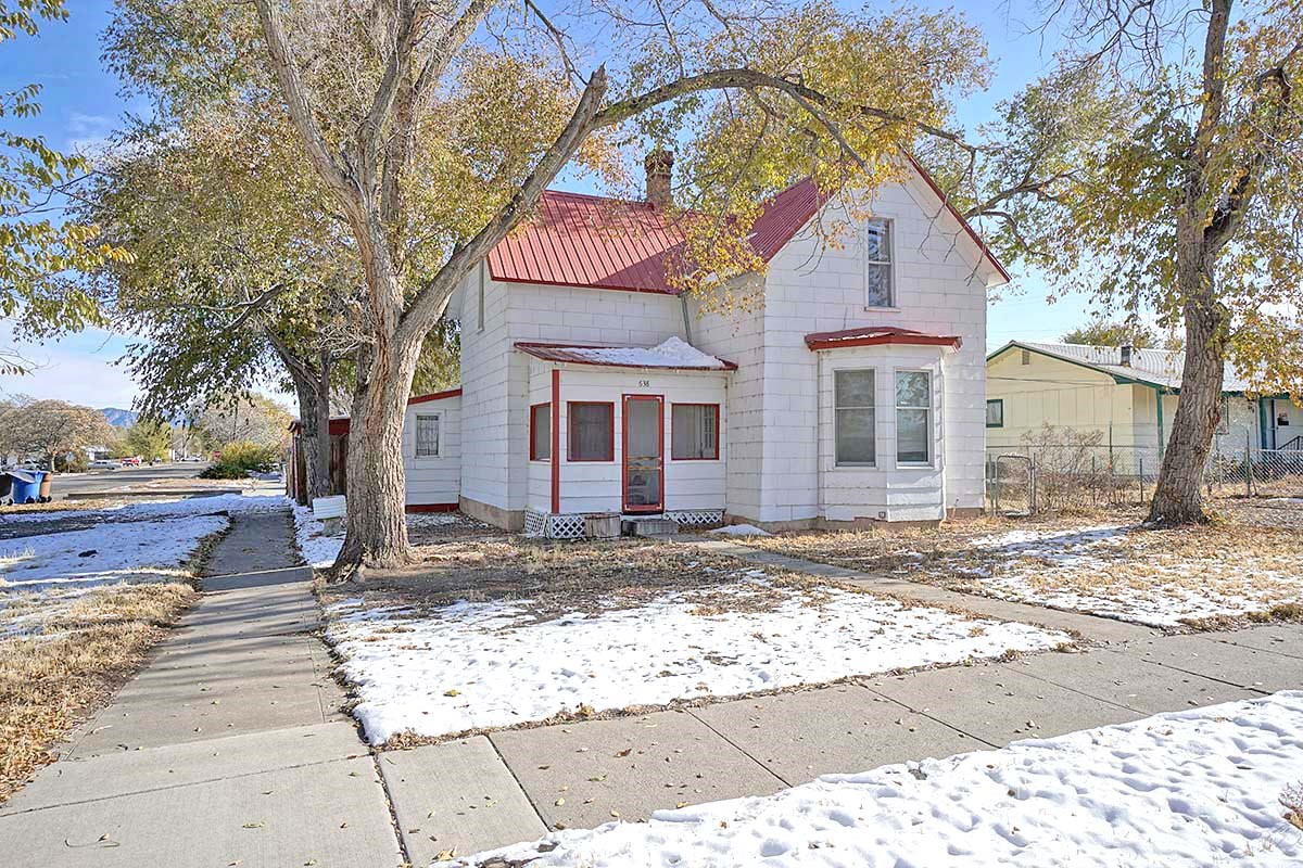 Two Story Home For Sale in Town Montrose, Colorado