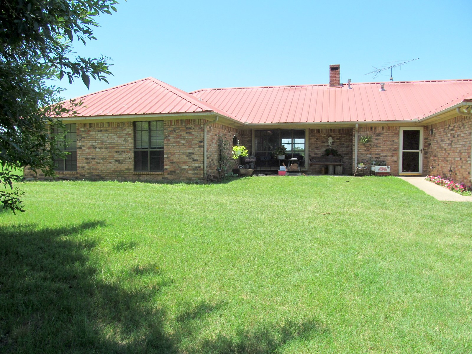 EAST TEXAS COUNTRY HOME - SCROGGINS, TX - ACREAGE - FRANKLIN