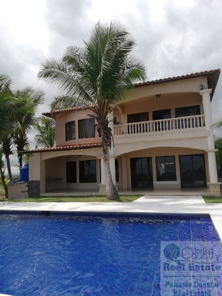 BEACH HOUSE FOR SALE IN PLAYA LA BARQUETA PANAMA